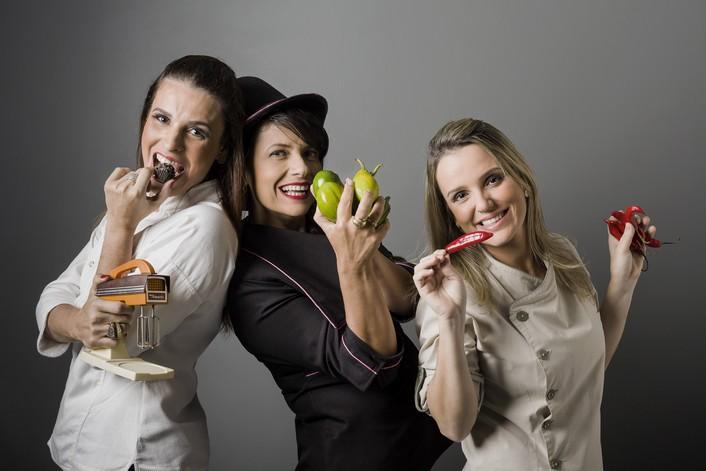 Flavia Gama, Regina Maris e Ju¦ülia Faria