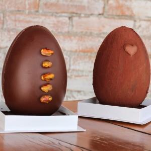 Chocolateria Brasil – ovos recheados na casca Pistache e Alfajor