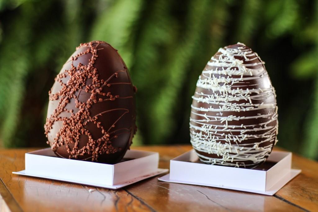 Chocolateria Brasil - ovos recheados na casca ovomaltine e marshmallow