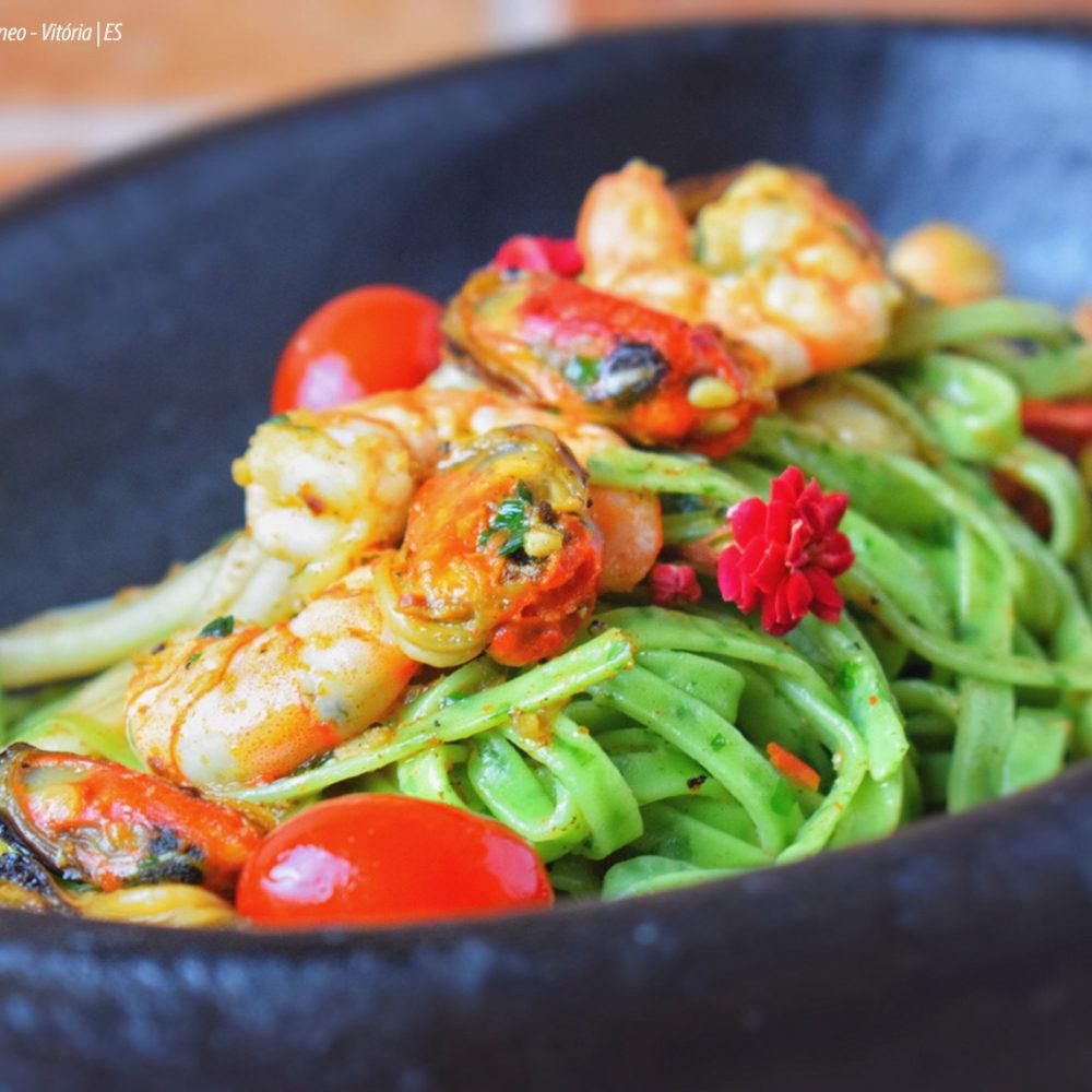 Enseada – Massa-fresca-com-frutos-do-mar-na-manteiga-de-ervas – Foto-Francisco Siqueira