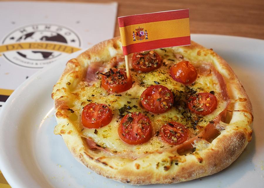 Espanha: Presunto de Parma com Mussarela e Tomatinhos.