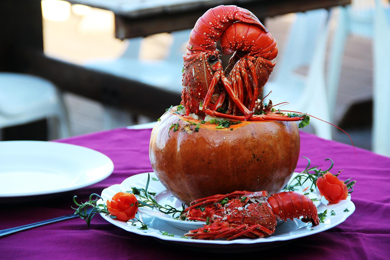 Bobó na Moranga de bacalhau com lagosta - manguinhos gourmet