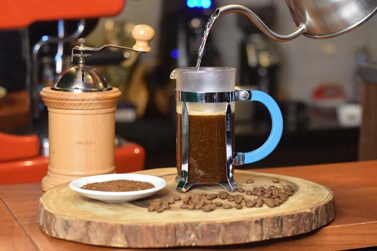 métodos de preparo de café - prensa francesa